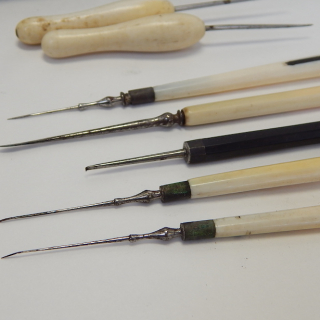 7 piece Antique surgical tools and case