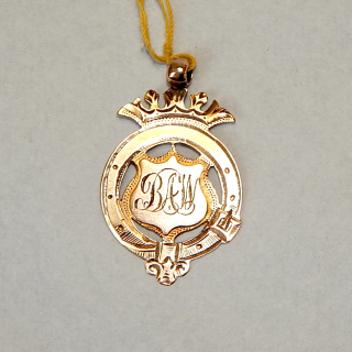 1910 9ct ROSE GOLD Fob.