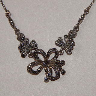 Fine Vintage Sterling silver and Marcasite necklace