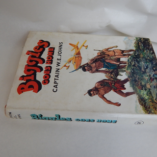 BIGGLES Goes Home 1960 first edition