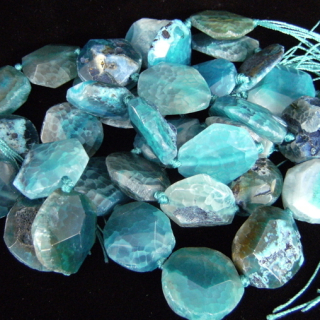 Unstrung dyed Blue Agate stones