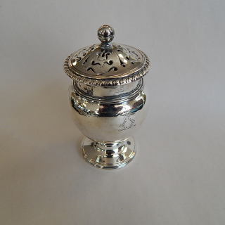 Sterling Silver 1809 Pepper or Pounce POT
