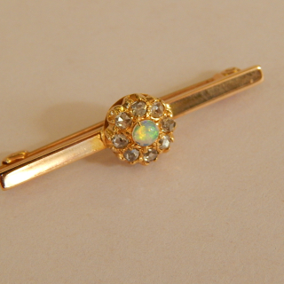 15ct Gold, Diamond and opal brooch