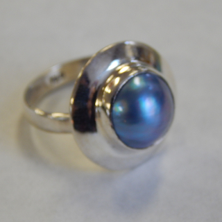 Sterling Silver and Pearl RING. NEW