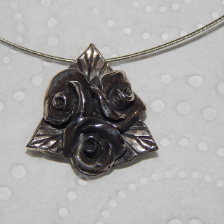 NZ Made Flower pendant on wire necklace