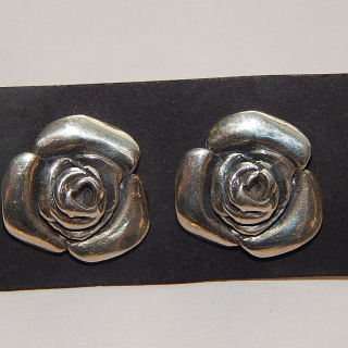 NZ Made Flower Stud earrings