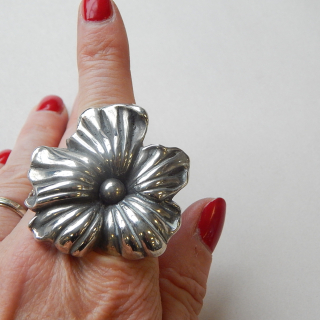 Large Sterling Silver FLOWER RING.