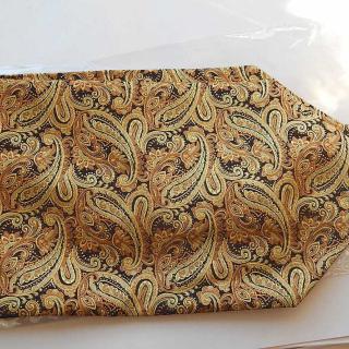 Deco Golden Cravat