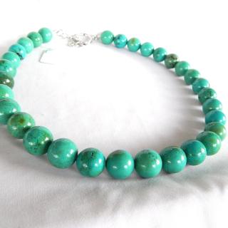 Round Turquoise beads.