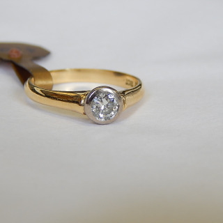 18ct Gold and Diamond .29ct  Solitaire rub over Ring