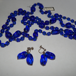 Vintage Blue glass long necklace and earrings