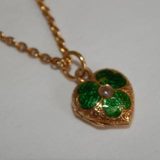 Antique 15ct Gold Shamrock tiny locket