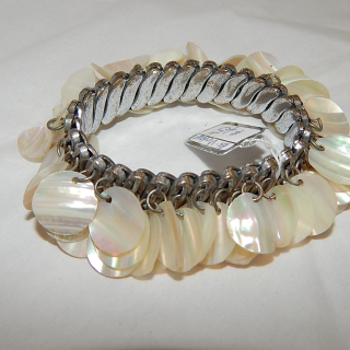 Vintage Mother of Pearl expandable bracelet