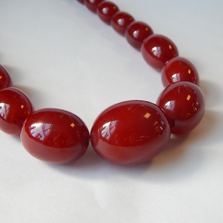 Bakelite look Vintage Necklace