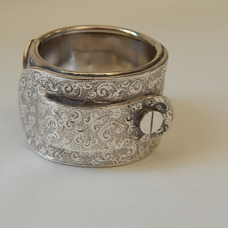 Heavy Sterling silver Buckle Napkin Ring
