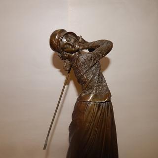 Art Deco 1930s Lady Golfer