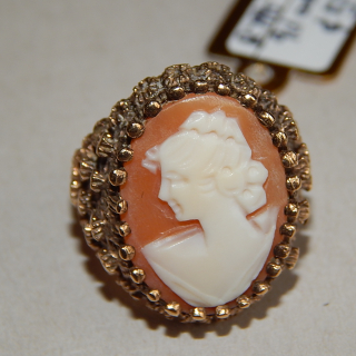 Vintage Cameo Gold  Unusual Ring