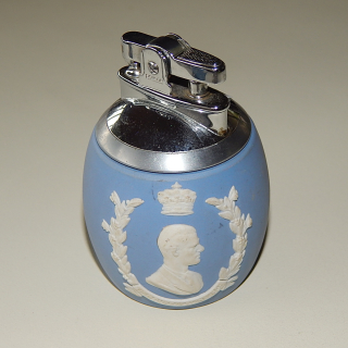 Wedgwood Royalty Table Top lighter