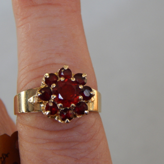 9ct gold and Garnet Cluster Ring