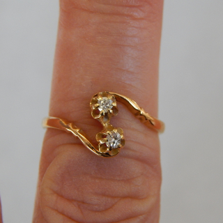 1913 18ct and Diamond Antique Ring