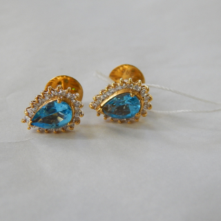 14ct Gold Blue Topaz Stud Earrings