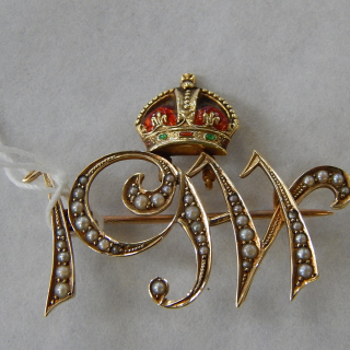 Antique 1911 15ct Gold ,Seed Pearl and Enamel Brooch