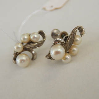 Sterling Silver and Cultured Pearl Screw on earrings