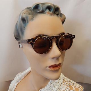 Vintage styled flip top specs