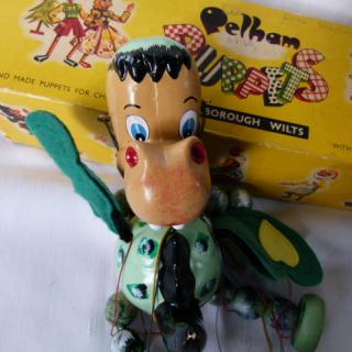 BABY DRAGON Pelham puppet