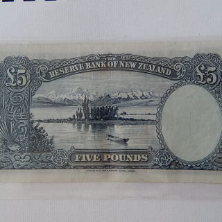 5 Pound NZ Banknote signed Hannah