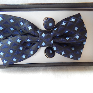 New Bow tie, cuff link and pocket square set. Black & Blue