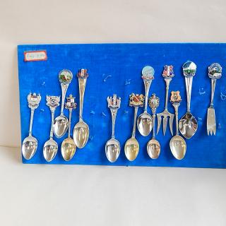 x13 NZ Collectors Tea Spoons.