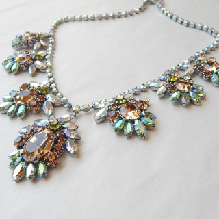 STUNNING VINTAGE Necklace and Earring set