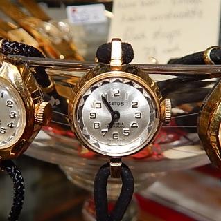 ZETUS Never Worn Vintage Ladies little watch